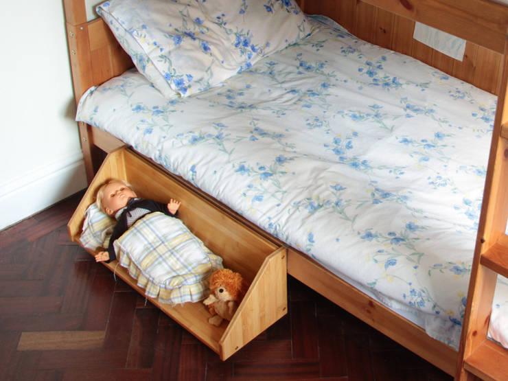 Bed Hanging Book Shelf:  Nursery/kid's room by Finoak LTD