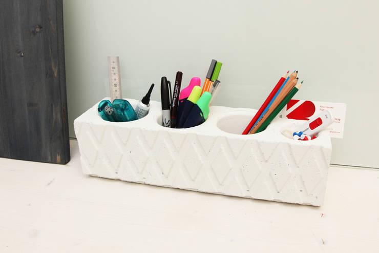 Органайзер / карандашница из бетона Archiboss: Рабочий кабинет  в . Автор – Owner /designer