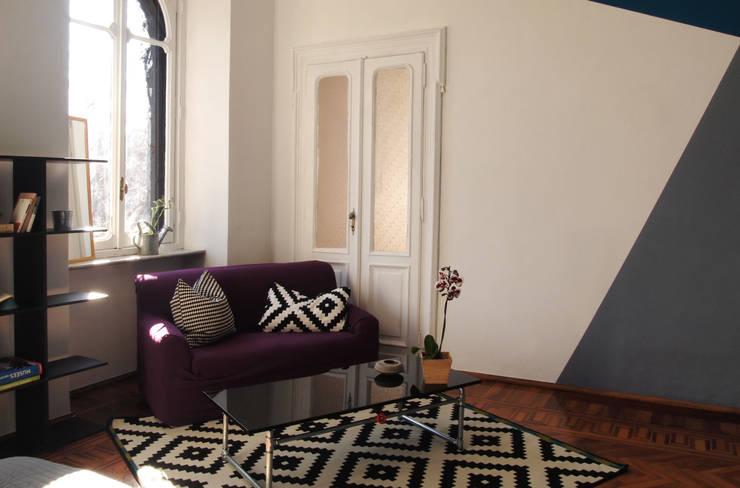 Camera matrimoniale - dopo:  in stile  di RE.DE.sign STUDIO