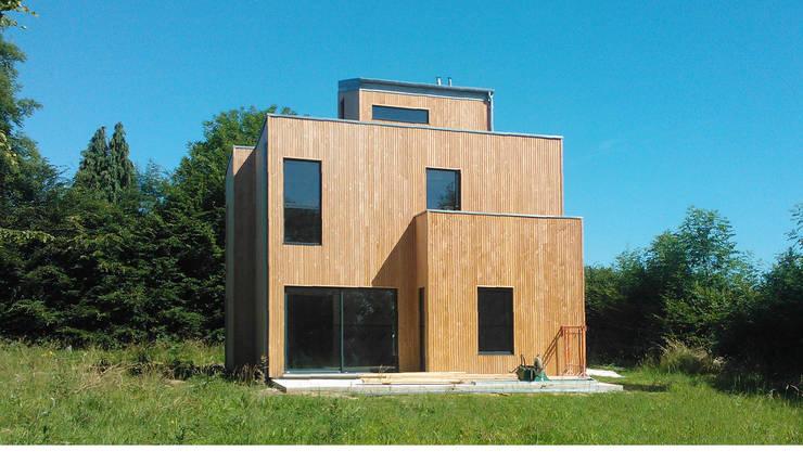 Maison basse consommation à  Fleury la forêt (Eure): Maisons de style  par kapok