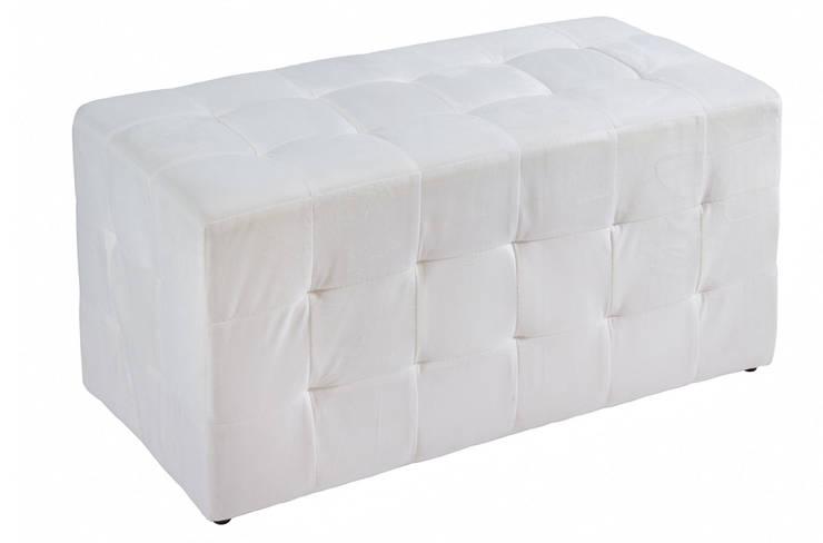 Puff banqueta de madera tapizada: Dormitorios de estilo  de Ohcielos.com