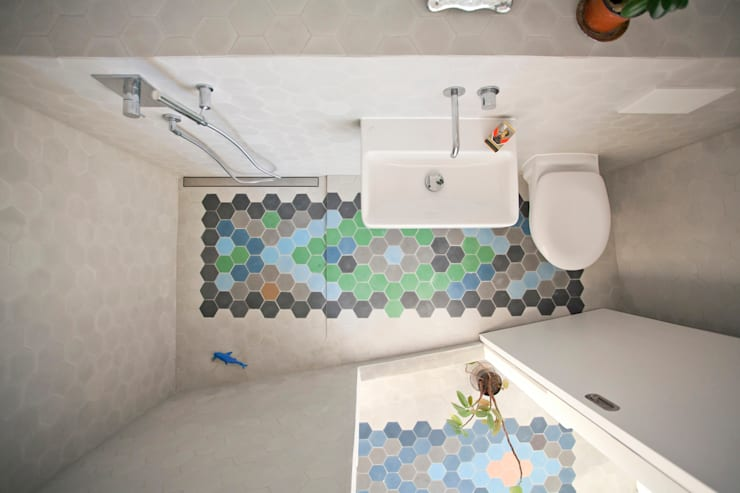 THE APPARTEMENT:  Bathroom by Bureau A