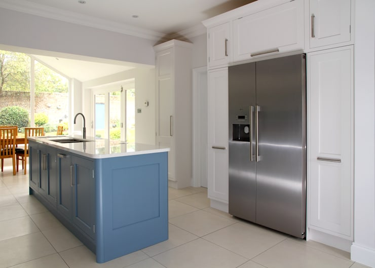 Hand painted bespoke kitchen in Hertfordshire:  Kitchen by John Ladbury and Company