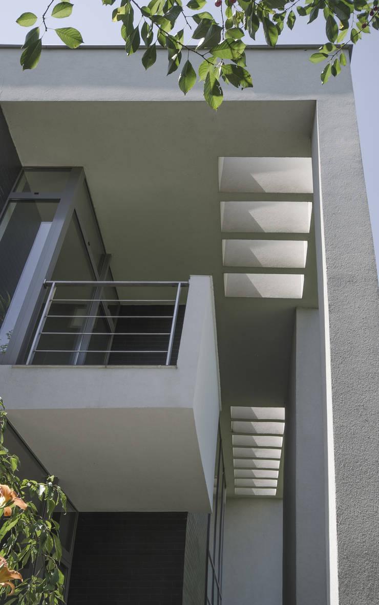 DETAL STROP: styl , w kategorii Taras zaprojektowany przez PAWEL LIS ARCHITEKCI