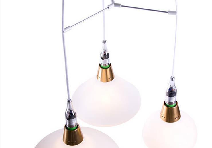 Brendan Ravenhill's triple pendant with Front's lamps: modern  door Booo BV, Modern