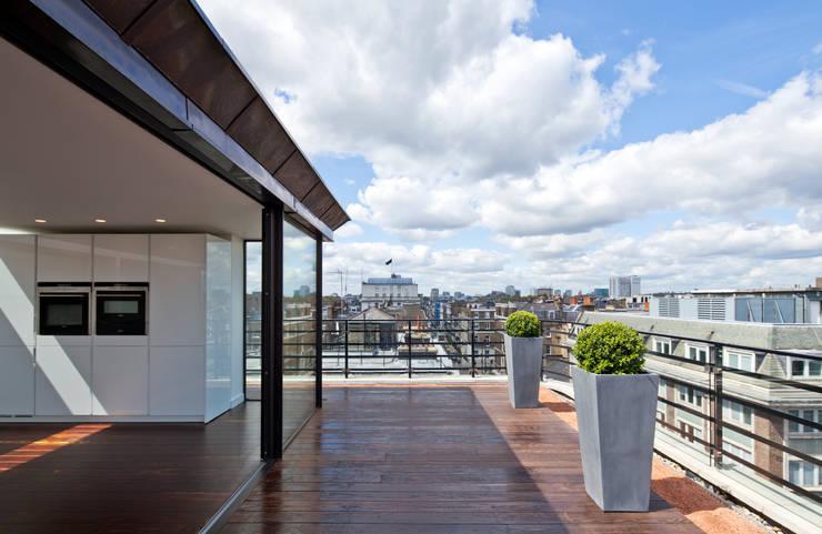 Nhà by Sonnemann Toon Architects