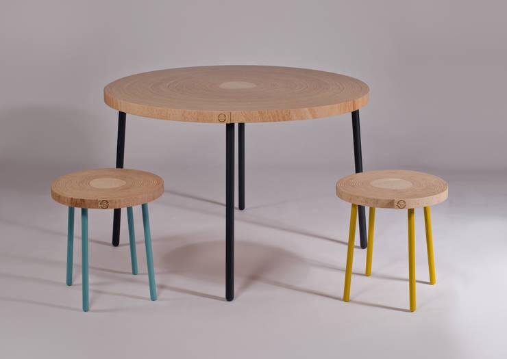 Twisted Table:  Kantoorgebouwen door Studio Erwin Zwiers