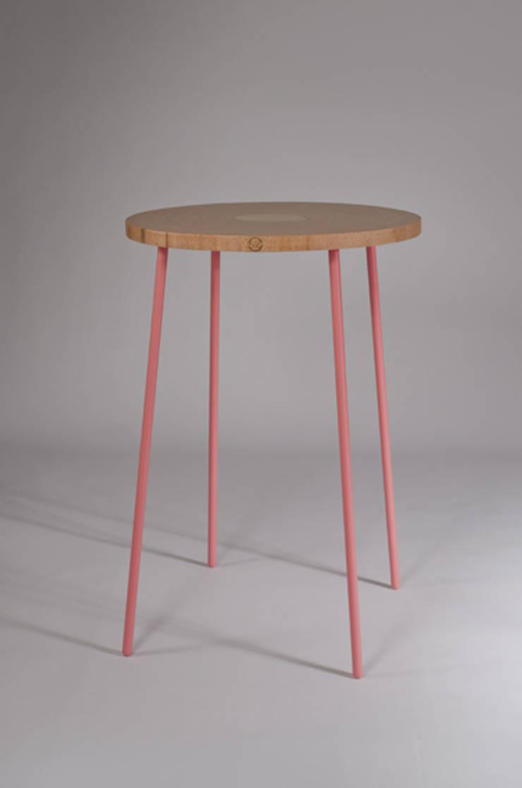 Twisted Tables:  Congrescentra door Studio Erwin Zwiers