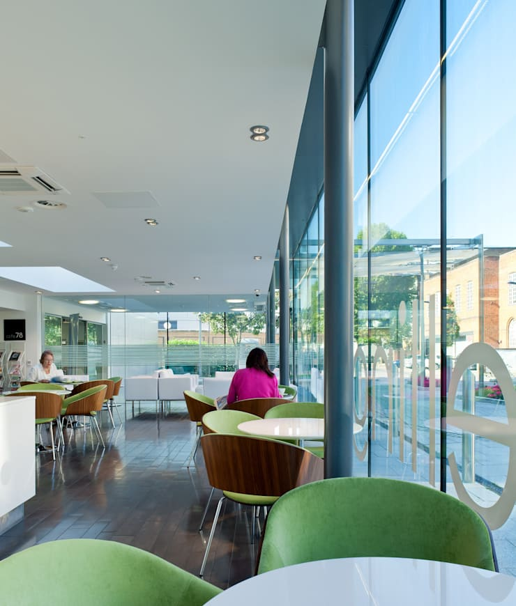 Platinum Café:  Gastronomy by Sonnemann Toon Architects