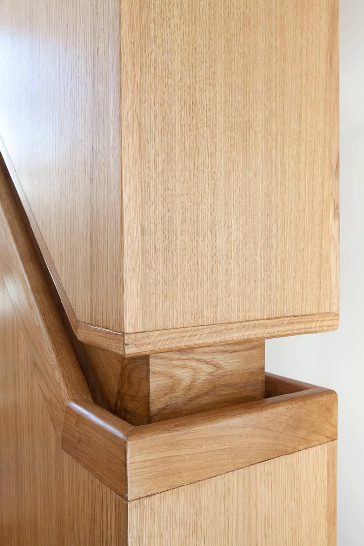 3 Devonshire Mews North:  Corridor, hallway & stairs by Sonnemann Toon Architects