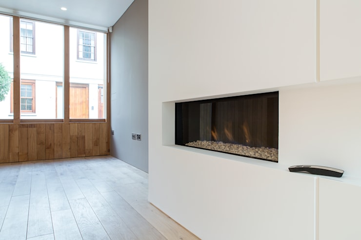 3 Devonshire Mews North:  Living room by Sonnemann Toon Architects