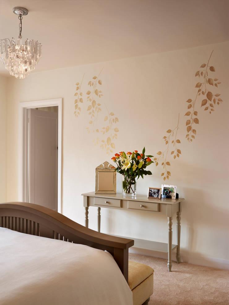Bedroom/dressing room:  Bedroom by ZazuDesigns