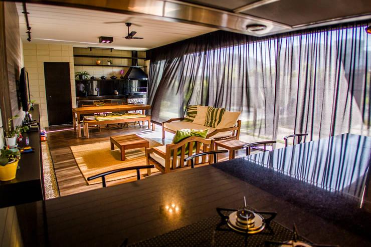 Salas de estar minimalistas por HAUS