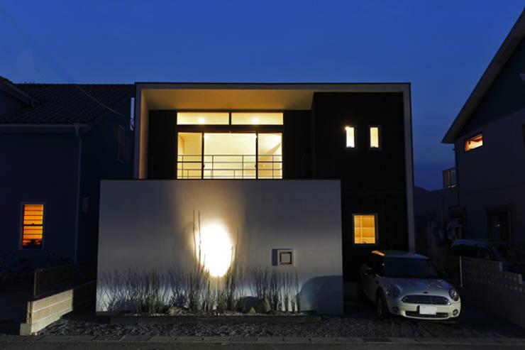 jazzycube: アーキシップス古前建築設計事務所が手掛けた家です。,モダン