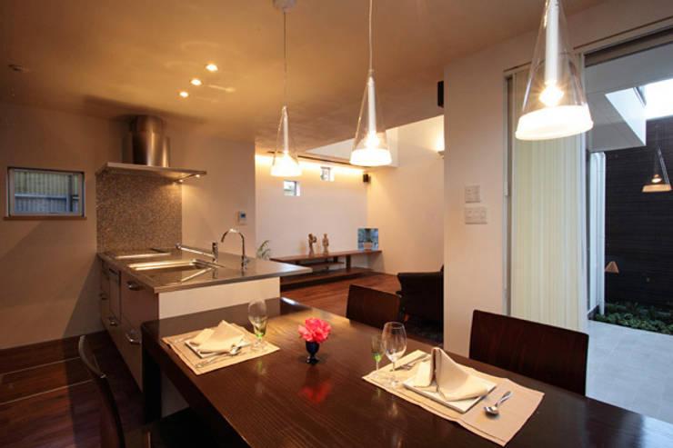 Kitchen by アーキシップス古前建築設計事務所, Modern