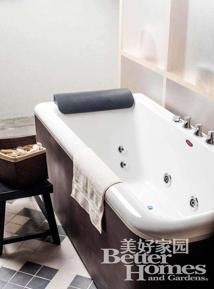 SPACE SHOW, Beijing, China: Baños de estilo  de LATITUDE