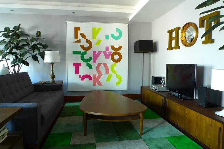 Hot Dog Decor Inneneinrichtung & Beratung: eklektik tarz tarz Oturma Odası