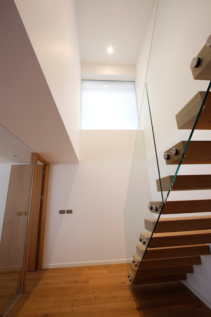 North London House Extension:  Corridor & hallway by Caseyfierro Architects