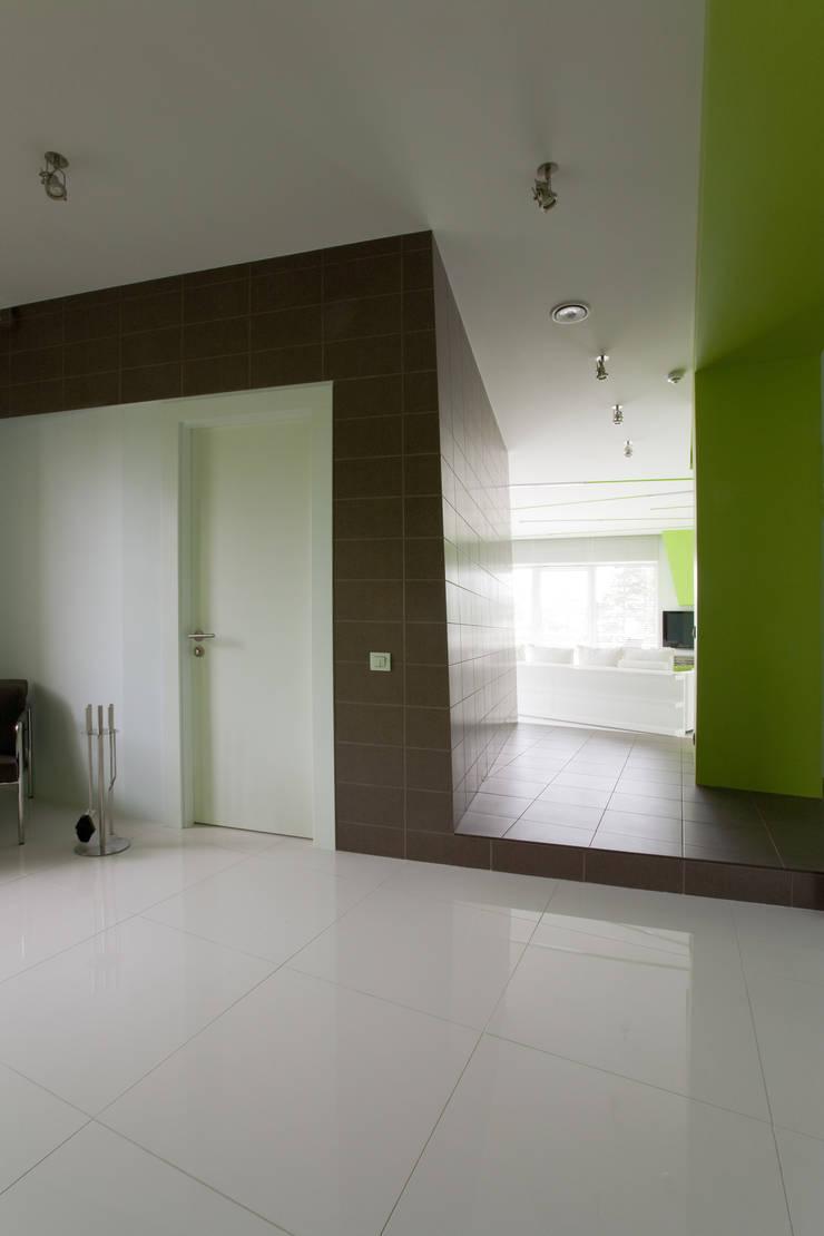 Квартира в Юрмале: Коридор и прихожая в . Автор – ARTRADAR ARCHITECTS