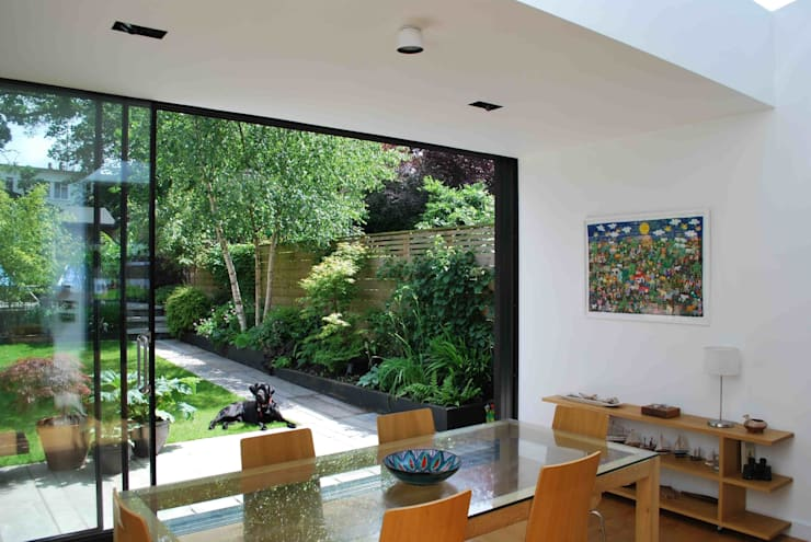 Suburban House Extension North London:  Dining room by Caseyfierro Architects