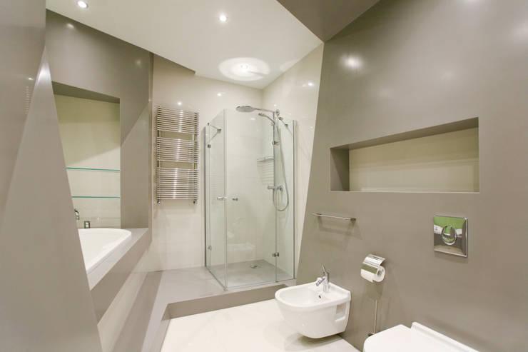 Квартира в Юрмале: Ванные комнаты в . Автор – ARTRADAR ARCHITECTS