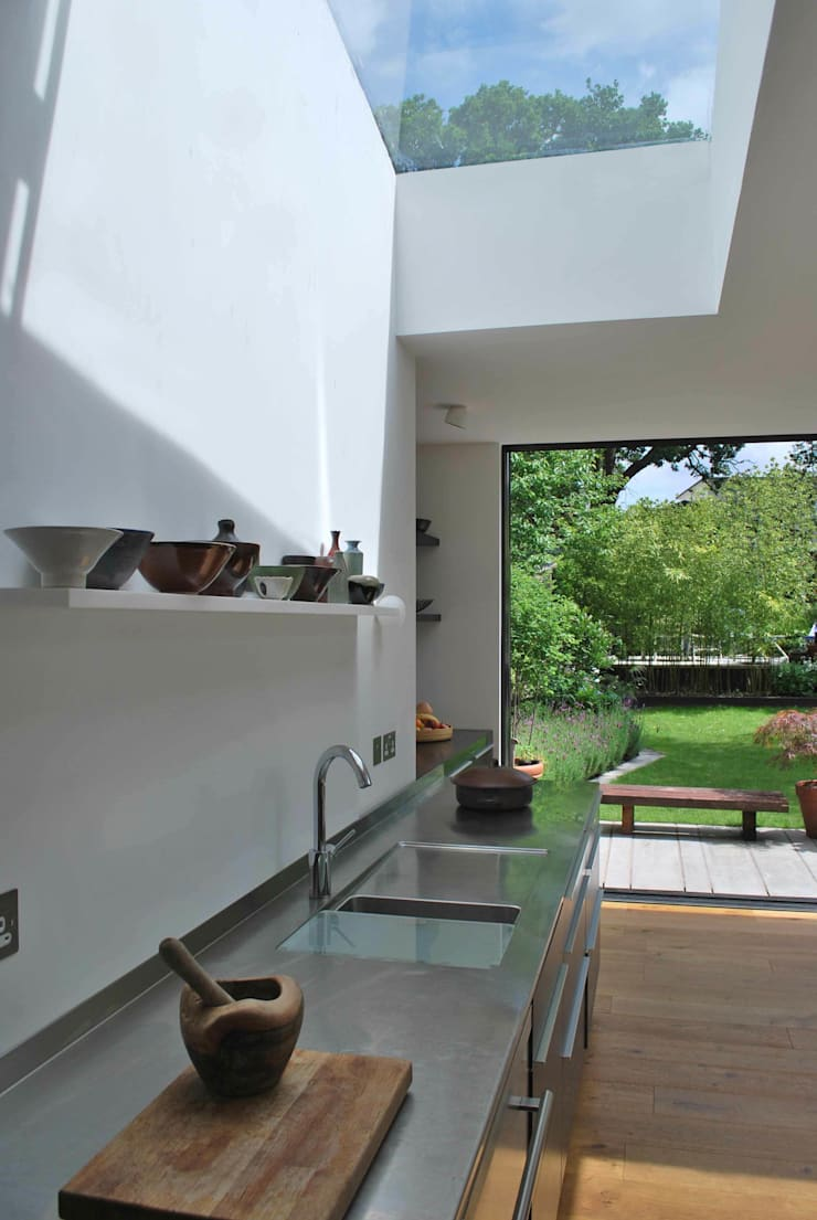 Suburban House Extension North London:  Kitchen by Caseyfierro Architects