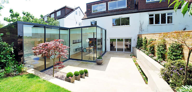 FAMILY HOUSE Extension:  Garden by Caseyfierro Architects