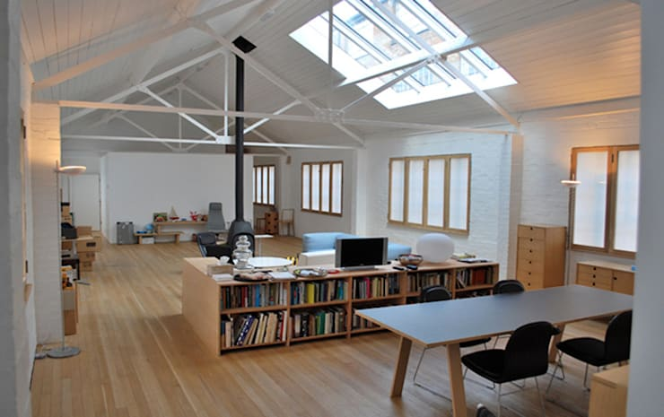 Jasper Morrison Design Office and Studio - London:  Living room by Caseyfierro Architects
