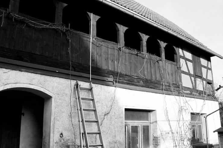 Eingangsbereich vor der Modernisierung:   von ahoch4 Architekten
