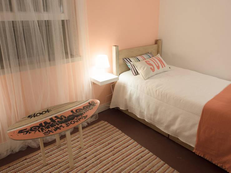 NiceWay Cascais Beach Hostel: Quartos  por MUDA Home Design