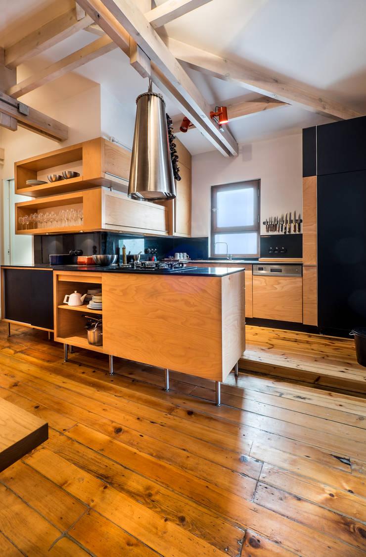 Atelye 70 Planners & Architects – Gabriel Apartment Kitchen:  tarz Mutfak