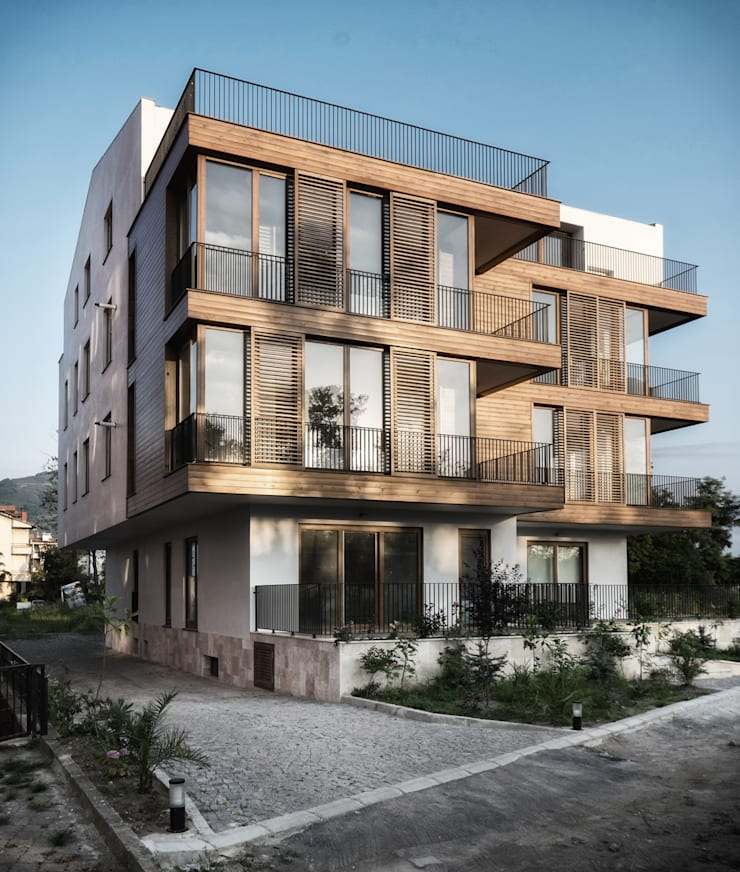 Atelye 70 Planners & Architects – K1 House Front View:  tarz Evler