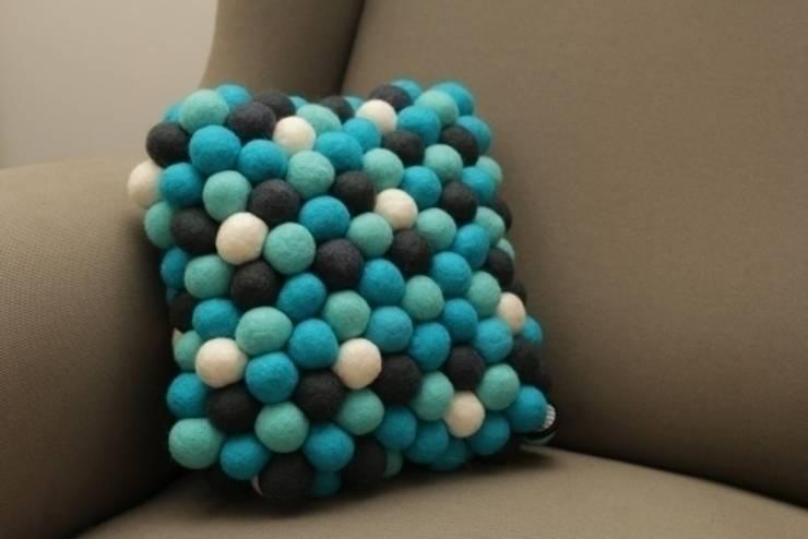 poduszka mała Santorini: styl , w kategorii Salon zaprojektowany przez felt stories