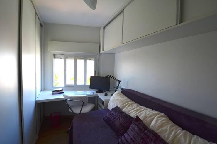 Dormitório/Escritório: Quartos  por Natali de Mello - Arquitetura e Arte,