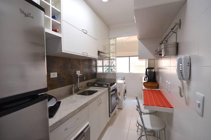 Cozinha: Cozinhas  por Natali de Mello - Arquitetura e Arte,