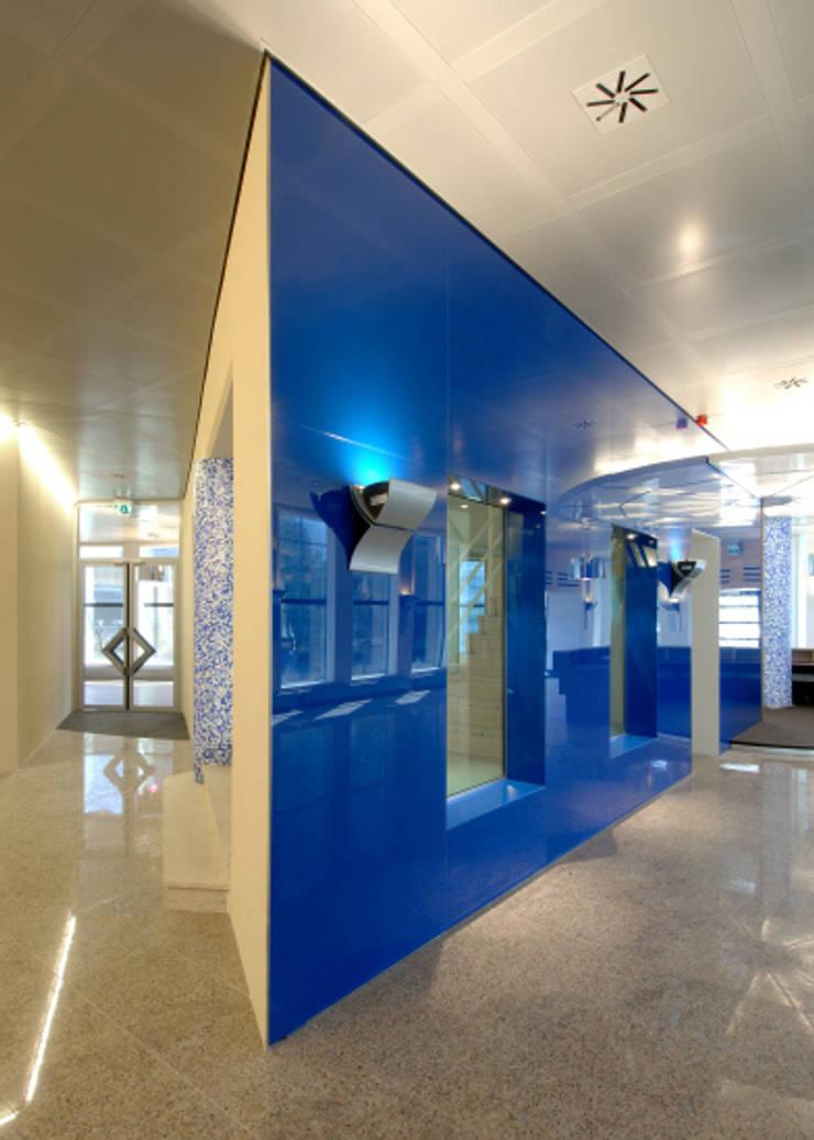 Glazen voorzetwand:  Kantoorgebouwen door Axel Grothausen BNI