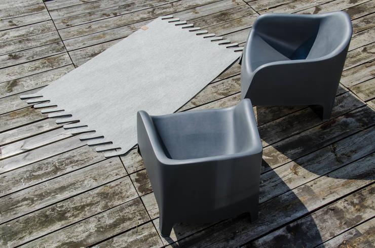 dywan NUMERO °4: styl , w kategorii Ściany i podłogi zaprojektowany przez boogie