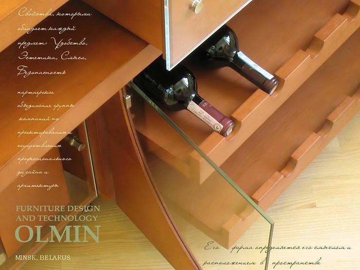 Винный комод – дерево в стекле: Гостиная в . Автор – ИП OLMIN - Архитектурная студия Олега Минакова
