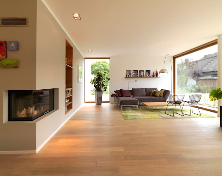 Living room by Bermüller + Hauner Architekturwerkstatt