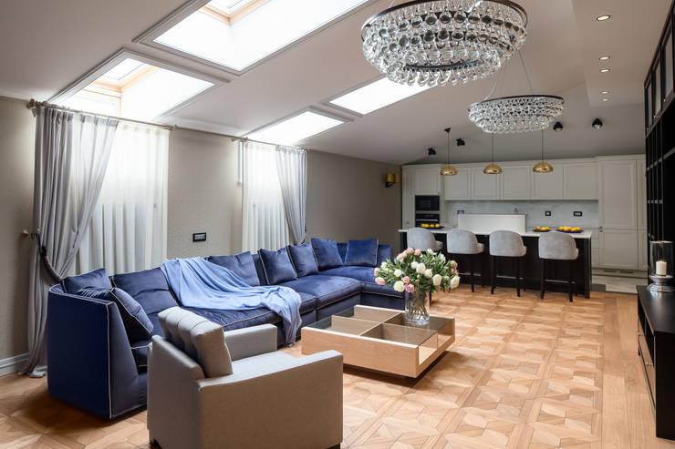 Мансарда в Лаврушинском переулке 130 м2: Гостиная в . Автор – Gallery 63