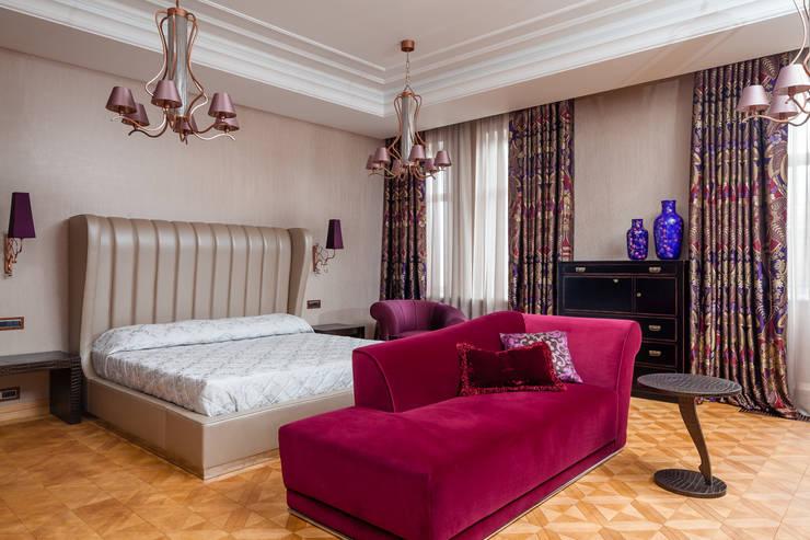 Двухэтажная квартира в Лаврушинском переулке 270 м2: Спальни в . Автор – Gallery 63
