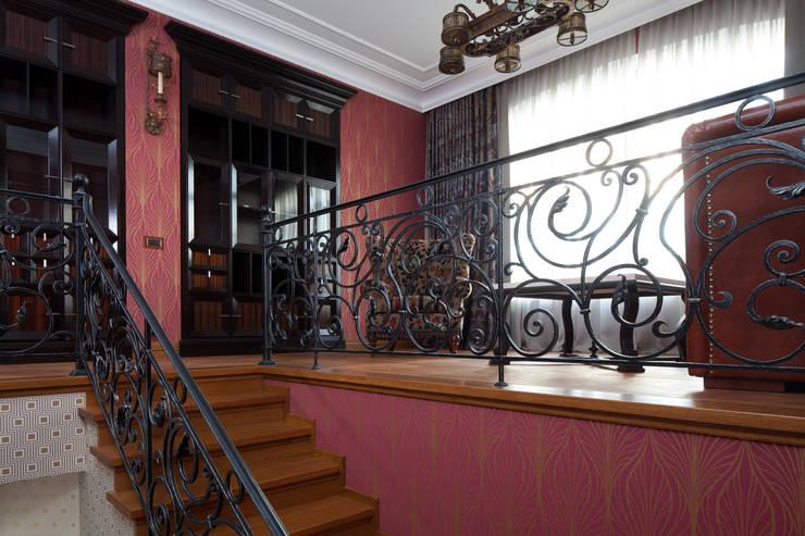 Двухэтажная квартира в Лаврушинском переулке 270 м2: Коридор и прихожая в . Автор – Gallery 63