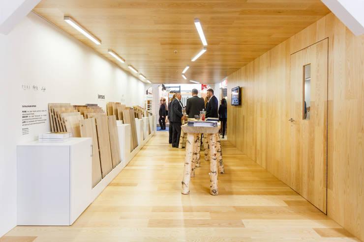 Barlinek BAU 2015 - stoisko targowe.: styl , w kategorii Miejsca na imprezy zaprojektowany przez hanczar studio