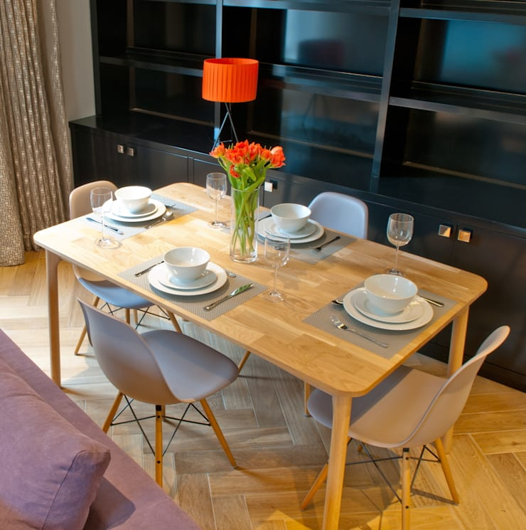 Covent Garden dining room:  Dining room by Kate Harris Interior Design