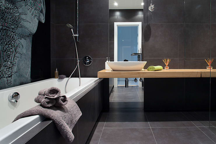 Bathroom by The Vibe, Minimalist