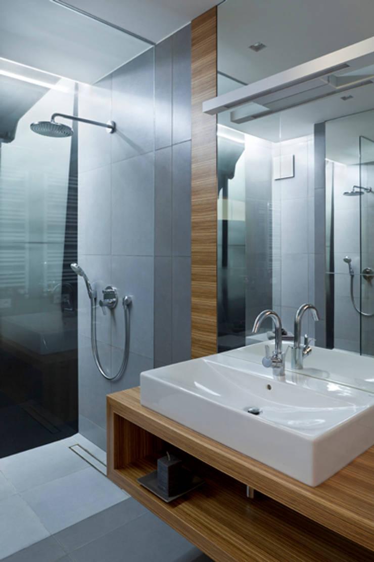 Baños de estilo  por The Vibe,