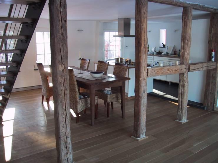 Essbereich und Küche:   von Stockwerk Orange
