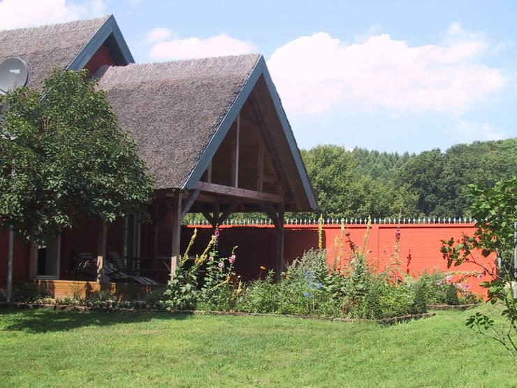 Terrassen-Vorbereich neu:   von Stockwerk Orange