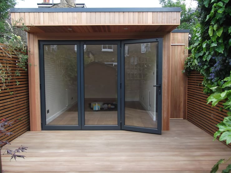 Garden Room in Queens Park, London:  Study/office by Office In My Garden
