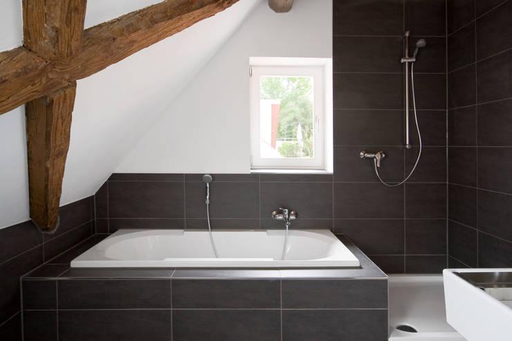 Badkamer door w3-architekten Gerhard Lallinger